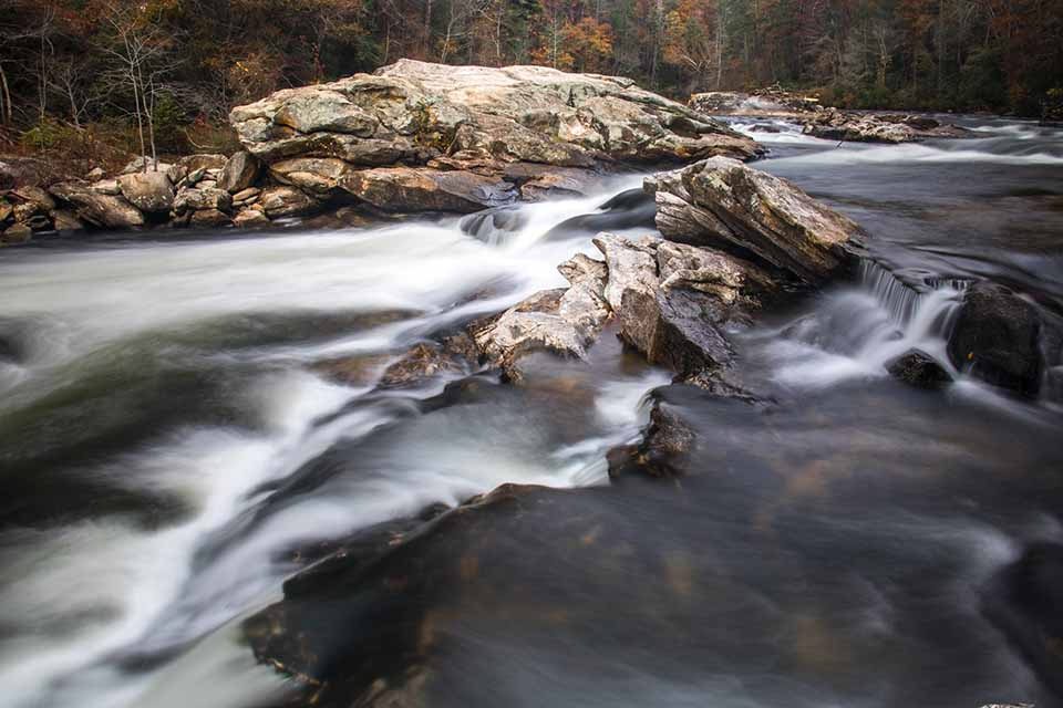 The Mighty Bull Sluice Rapid on the Chattooga!